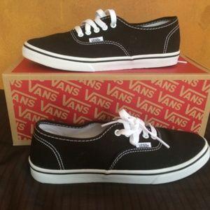 Vans Black Lo-Pro